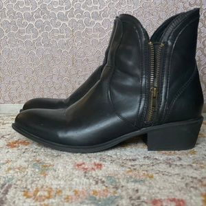 Black Charlotte Russe Point Toe Ankle Boots Size 7